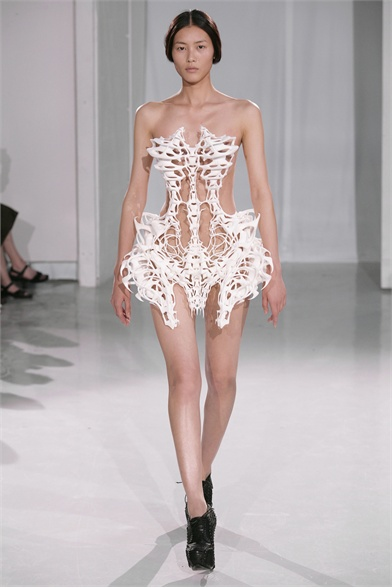 Paris Haute Couture Fashion Week Fall 2011-Iris Van Herpen